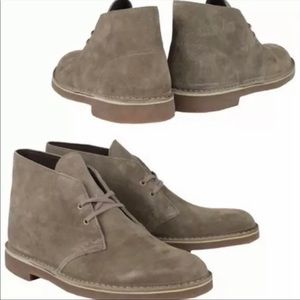 NWOT Clarks Tan Suede Chukka Boots. Size 41/8